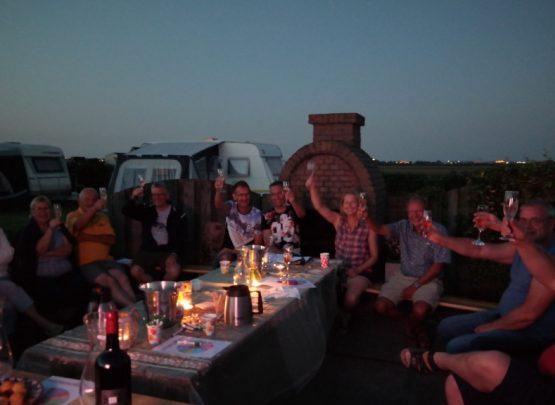 Wijnproeverij op de camping
